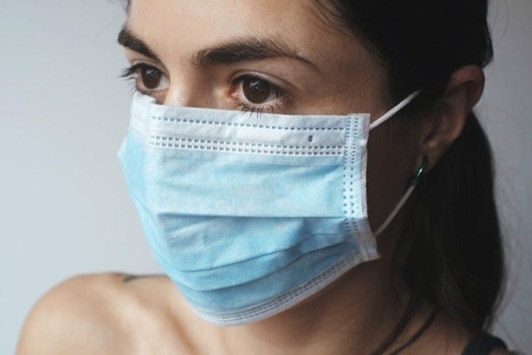Jak chronić oczy przed koronawirusem?