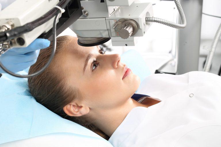 Powierzchniowe i głębokie metody laserowej korekcji wad wzroku